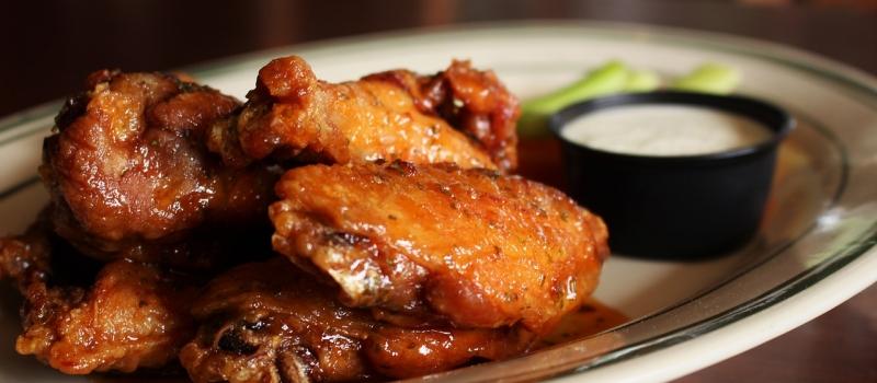Chicken Wings mit Honig-Marinade (Credit: negativespacedesign/pixabay)